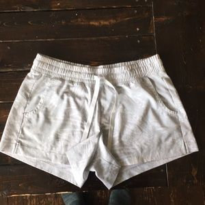 Old navy active shorts, great used condition